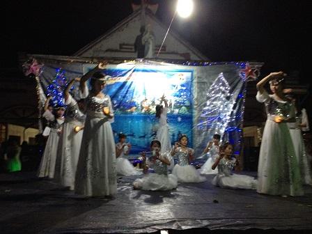 15_Các em Thiếu nhi Sơn Lang múa Mong đợi Đấng Cứu Thế (2)
