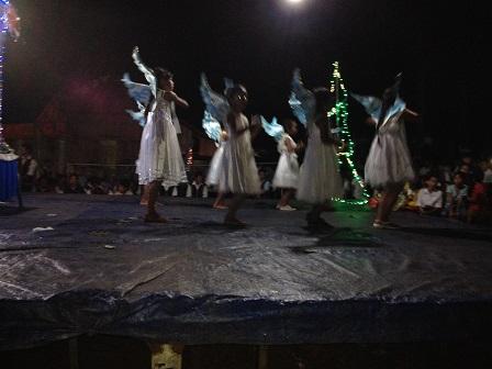 34_Chúa Giêsu Giáng Sinh Các em Thiếu nhi sóc Sơn Lang múa bài_Gloria (3)