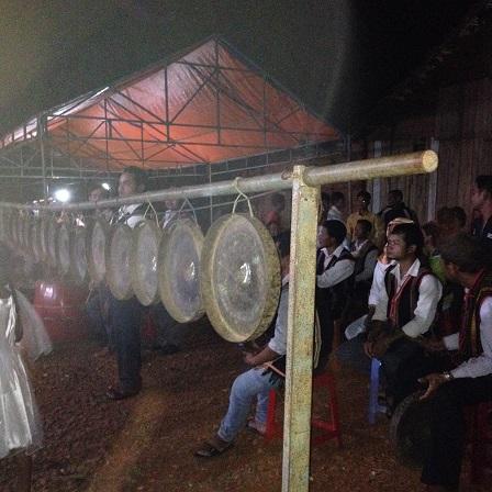 38_Dàn Cồng Chiêng sử dụng trong thánh lễ đêm Mừng Chúa Giáng Sinh