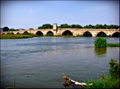 Dòng Sông Maritza, Bảo Gia Lợi.