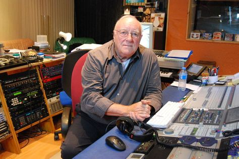 Jean Renard trong studio của ông.