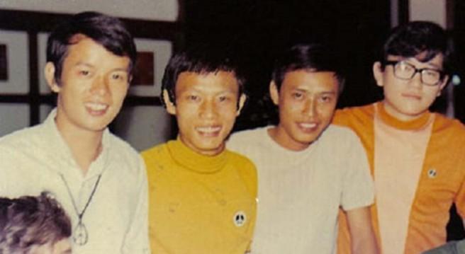Ban nhạc The Strawberry Four gồm Đức Huy, Tùng Giang, Tuấn Ngọc và Billy Shane (từ trái sang)