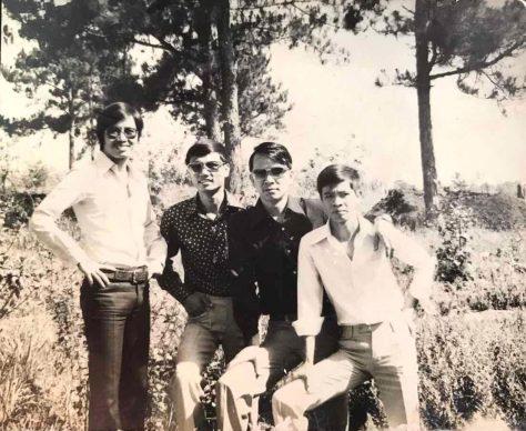 Nhạc sĩ Nguyễn Duy Biên (từ trái sang  Vũ Xuân Hùng, Nguyễn Thế Hưng, Nguyễn Duy Biên, Vương Đình Thời-nhân chuyến đi Đà Lạt năm 1968).