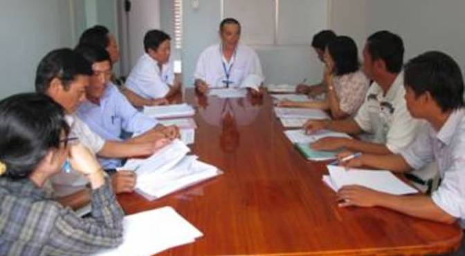Bài học ngoại giao 2 – Trong phòng họp