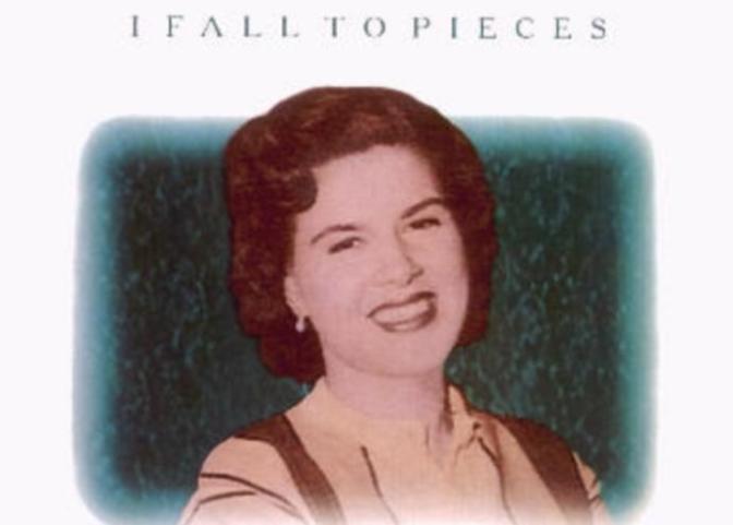 I fall to pieces – Em rã ra từng mảnh
