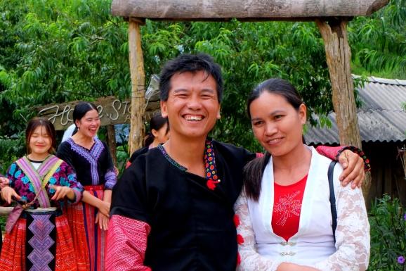 Vợ chồng Tráng A Chu trở nên giàu có nhờ làm du lịch cộng đồng