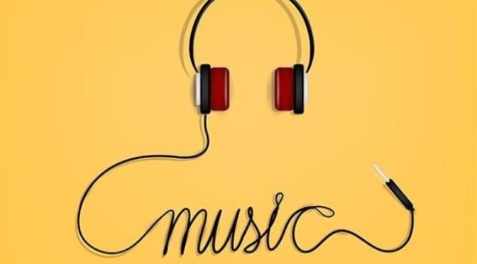 Đồng bào sắc tộc Sêđăng thích nghe nhạc