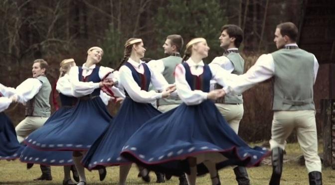 Salniņa – vũ dân gian Latvia