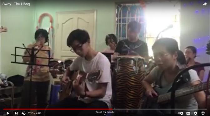 Ban nhạc ĐCN – Greensleeves, Sắc màu và Sway