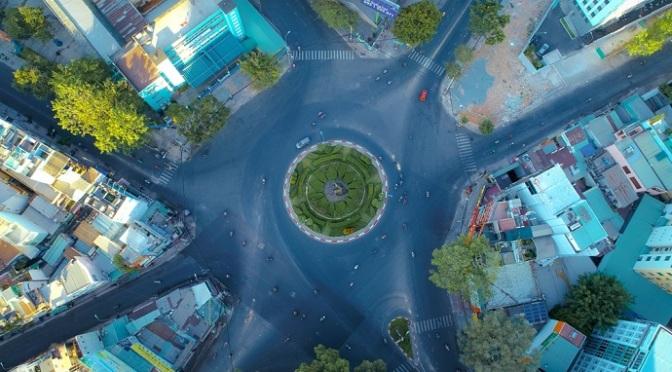 """Sài Gòn 10 ngày """"ai ở đâu ở yên đó"""""""